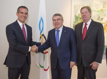 IOC President Bach In Los Angeles To Discuss 2024 Olympic Bid With Mayor